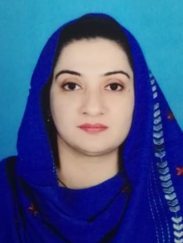 Dr Anum Naseem