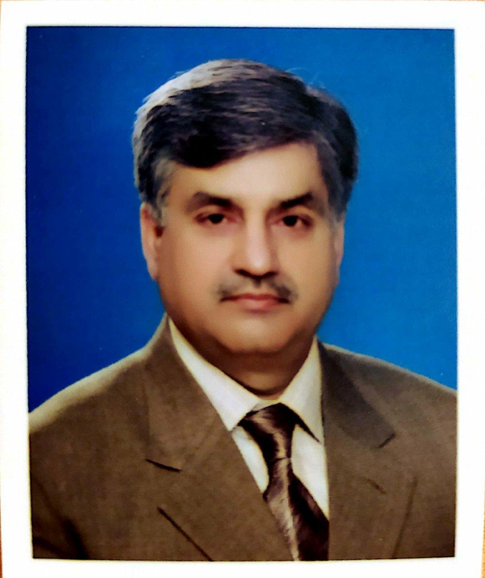 Dr Waseem Ishaque